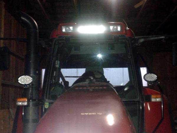 Case-IH CVX 130 mit LED Foto 1