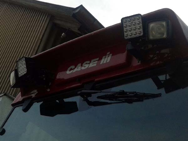 Case-IH CVX 130 mit LED Foto 2